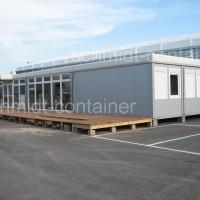 Bürocontaineranlage mit Empfangsbereich und Toilettenräumen
